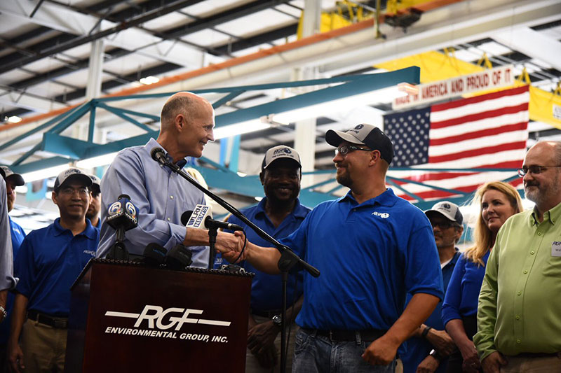 Governor Scott shaking hands with RGF's Keith Johnson